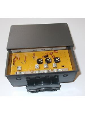 Ενισχυτής ιστού VHF-UHF-UHF 28dB ρυθμιζ. Model MAS-553 (άνευ τροφοδοτικού) VICKY Made in Italy